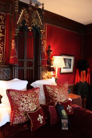 Night at the Gothic Witchery Hotel Edinburgh