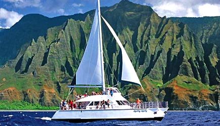 Catamaran trip at Na Pali Coast