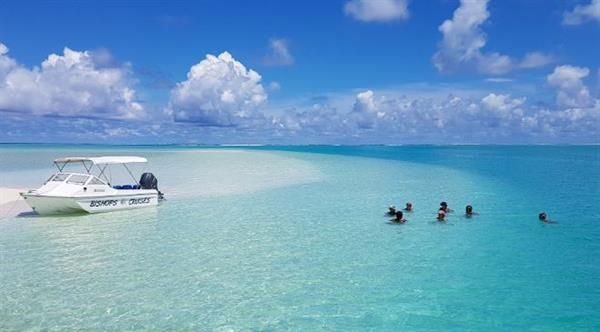 Private boat charter and snorkeling in the Lagoon