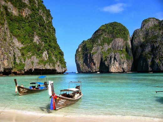Phi Phi Island Adventure Day Trip by Speedboat