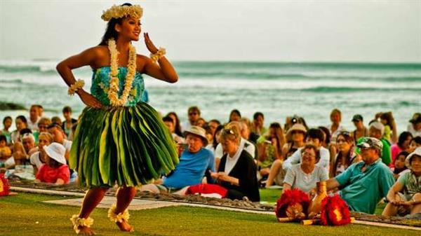 Sunset Hula Experience in Waikiki