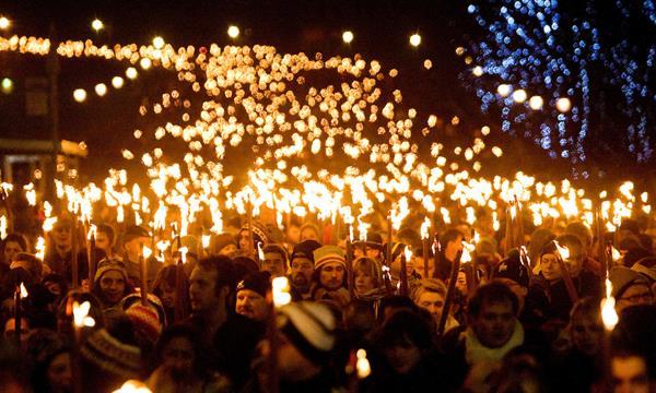 Hogmanay Edinburgh Torchlight Procession